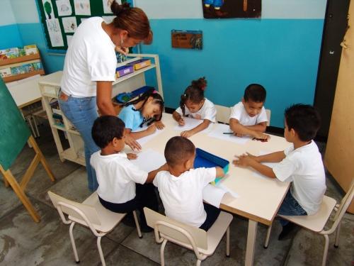 Niñas y niños regresarán a las aulas luego del asueto decembrino